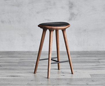 https://www.serenitymade.com/wp-content/uploads/2021/02/stools-1.jpg
