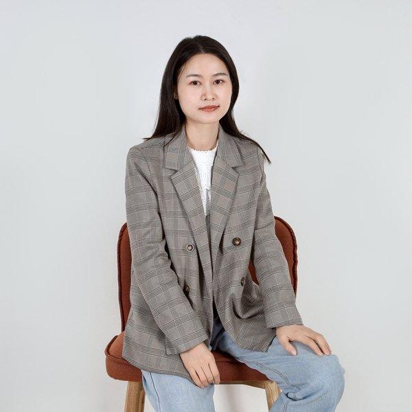 https://www.serenitymade.com/wp-content/uploads/2021/03/TracyZhang.jpg